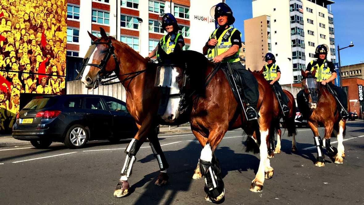 Seis policías nacionales viajan a Cardiff para colaborar con la policía galesa en la seguridad de la final de la Champions League que el sábado disputarán el Real Madrid y el Juventus en esta ciudad, que los agentes españoles patrullarán para atender