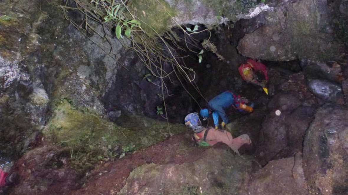 Un espeleólogo que exploraba una gruta del municipio vizcaíno de Galdames ha fallecido este jueves por la noche a consecuencia de un desprendimiento registrado en esta gruta, ubicada en el barrio de San Pedro, según ha informado este viernes el depar