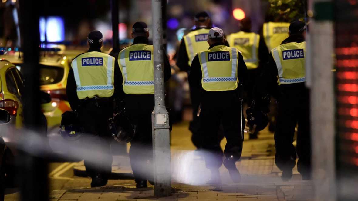 Una ciudadana española, Raquel Espunyes, ha sido testigo del atropello masivo que se ha producido en el Puente de Londres, y ha explicado cómo la policía británica ha evacuado la zona y ha comenzado las labores de investigación.