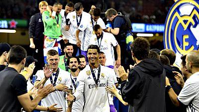 Sergio Ramos, capitán del Real Madrid, levantó este sábado al cielo de Cardiff el trofeo que acredita al conjunto blanco como campeón de la Liga de Campeones por duodécima vez.