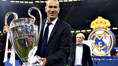 """El entrenador del Real Madrid, Zinédine Zidane, confesó que era un  """"día histórico para todos los madridistas"""" por la consecución de la  Liga de Campeones por segundo año consecutivo y por haber firmado un  doblete casi 60 años después."""