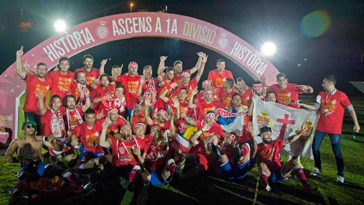 Un empate le fue suficiente al Girona para confirmar su ascenso a Primera División, lo que desencadenó la fiesta en Montilivi y en las calles de la ciudad catalana.