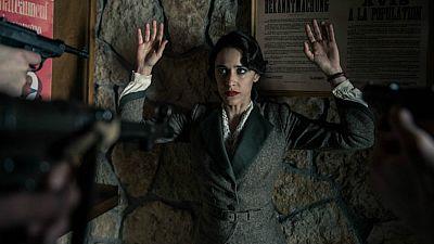 El Ministerio del Tiempo - Los nazis capturan a Lola Mendieta