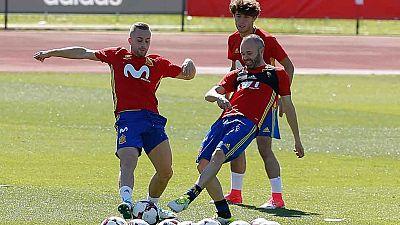 Ya con los madridistas Morata, Asensio y Nacho, la selección española viaja este martes a Murcia, donde disputará un partido amistoso contra Colombia.