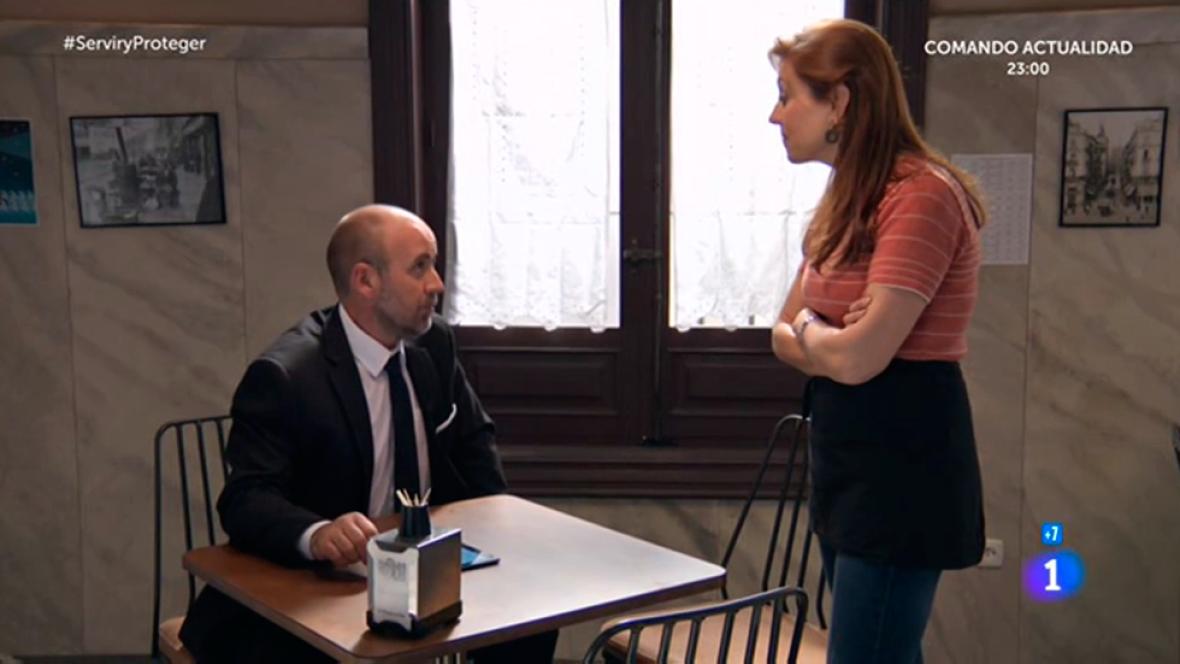 Servir y proteger - María conoce al nuevo inspector