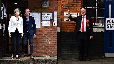 Los británicos eligen entre reforzar a Theresa May o dar la alternativa a Jeremy Corbyn