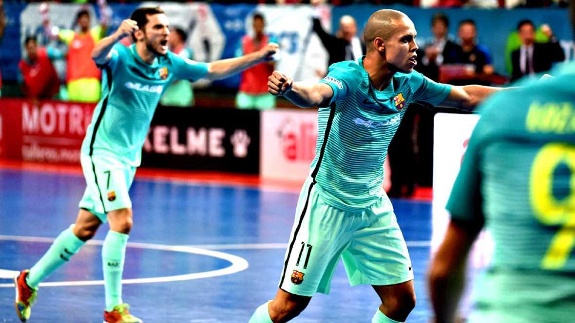 El FC Barcelona Lassa derribó el factor cancha contra el Movistar Inter en el primer partido de la final por el título en Primera División, liderado por las paradas de Paco Sedano, la última, la definitiva, en los penaltis, la conclusión de un duelo