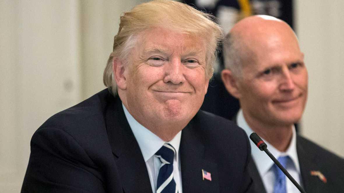 Donald Trump dice sentirse reivindicado y que James Comey es un filtrador