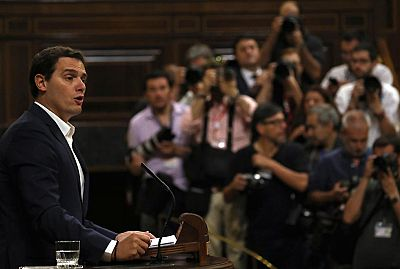 Albert Rivera pide más trabajo a Pablo Iglesias y no solo protestar