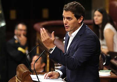Rivera explica que el objetivo de Iglesias es destrozar al PSOE