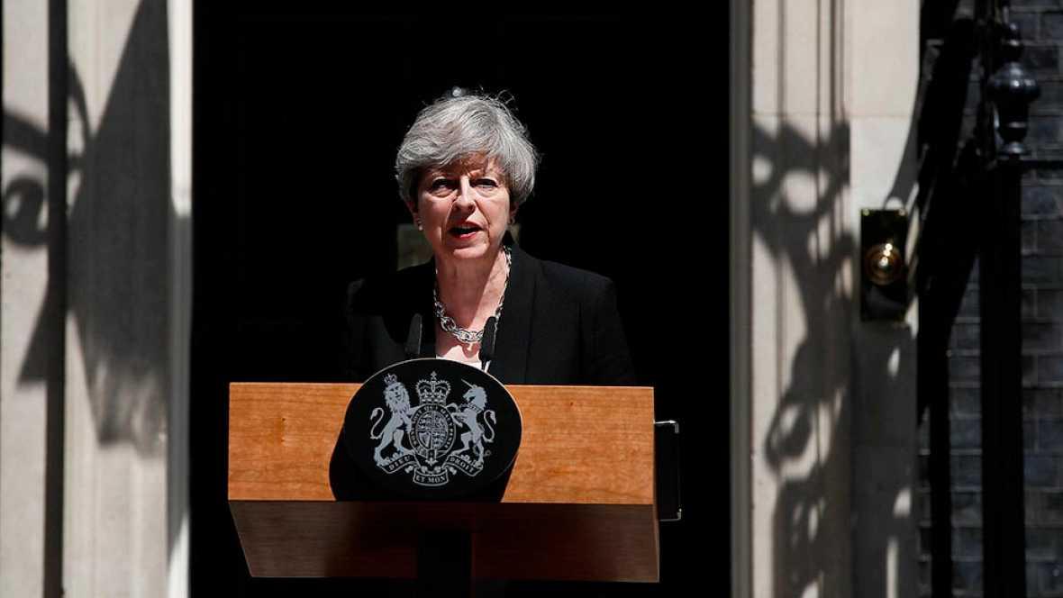 """May condena el atropello en una mezquita de Londres como un acto de """"islamofobia"""""""