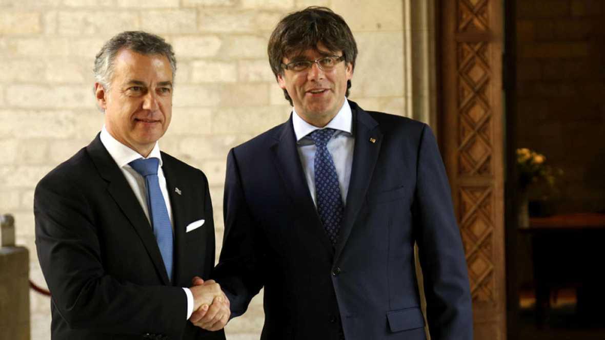 Puigdemont y Urkullu defienden la reforma de la ley para que Cataluña y el Pais Vasco decidan su futuro