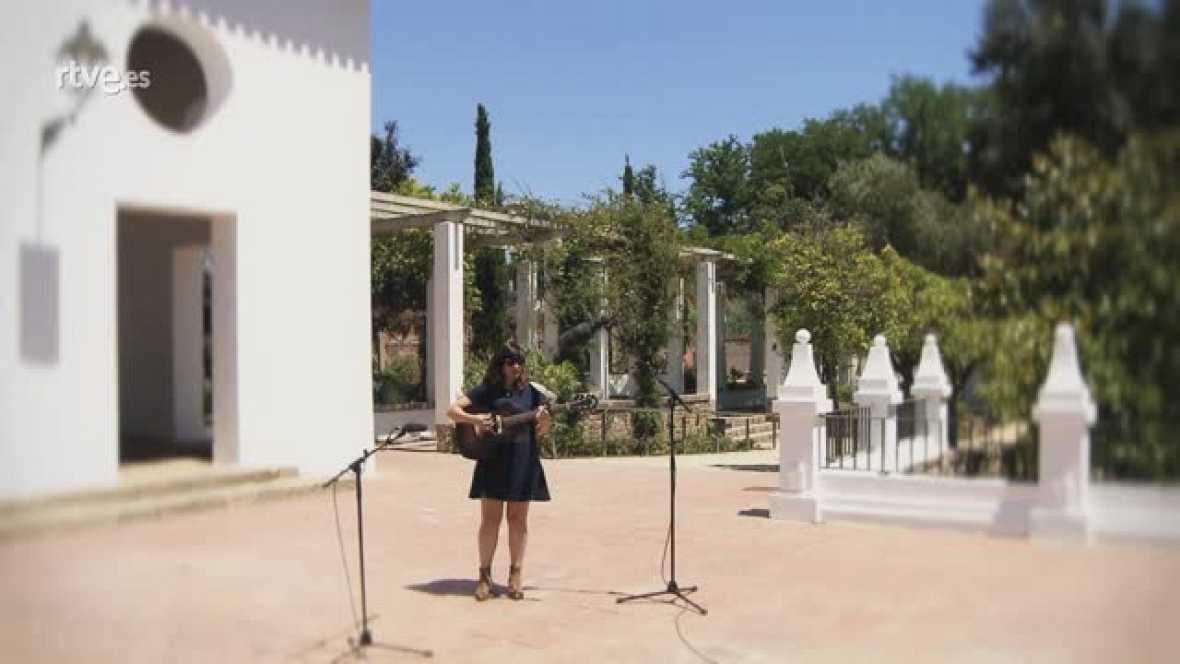 Joana Serrat canta en exclusiva per a 'Punts de vista'