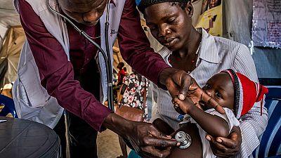 Casi un millón de sursudaneses han huido a Uganda