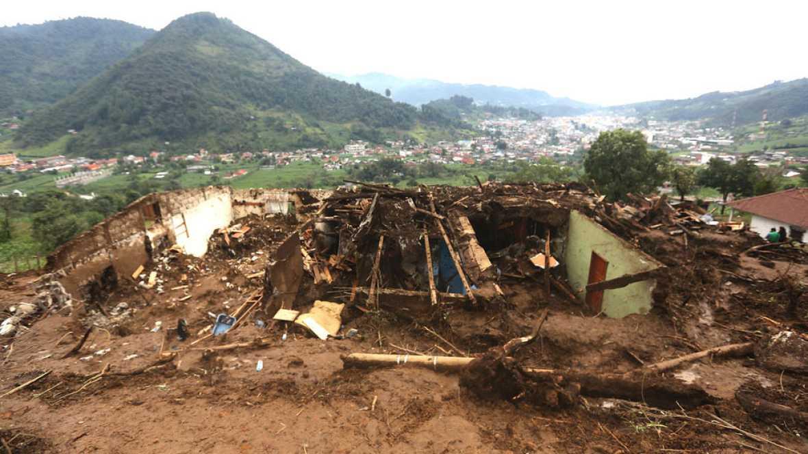 Disminuyen las esperanzas de rescatar más supervivientes del desprendimiento en Sichuan, China