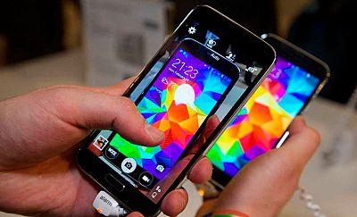 Cincuenta y siete detenidos en la desarticulación de una red que traficaba con teléfonos móviles de alta gama