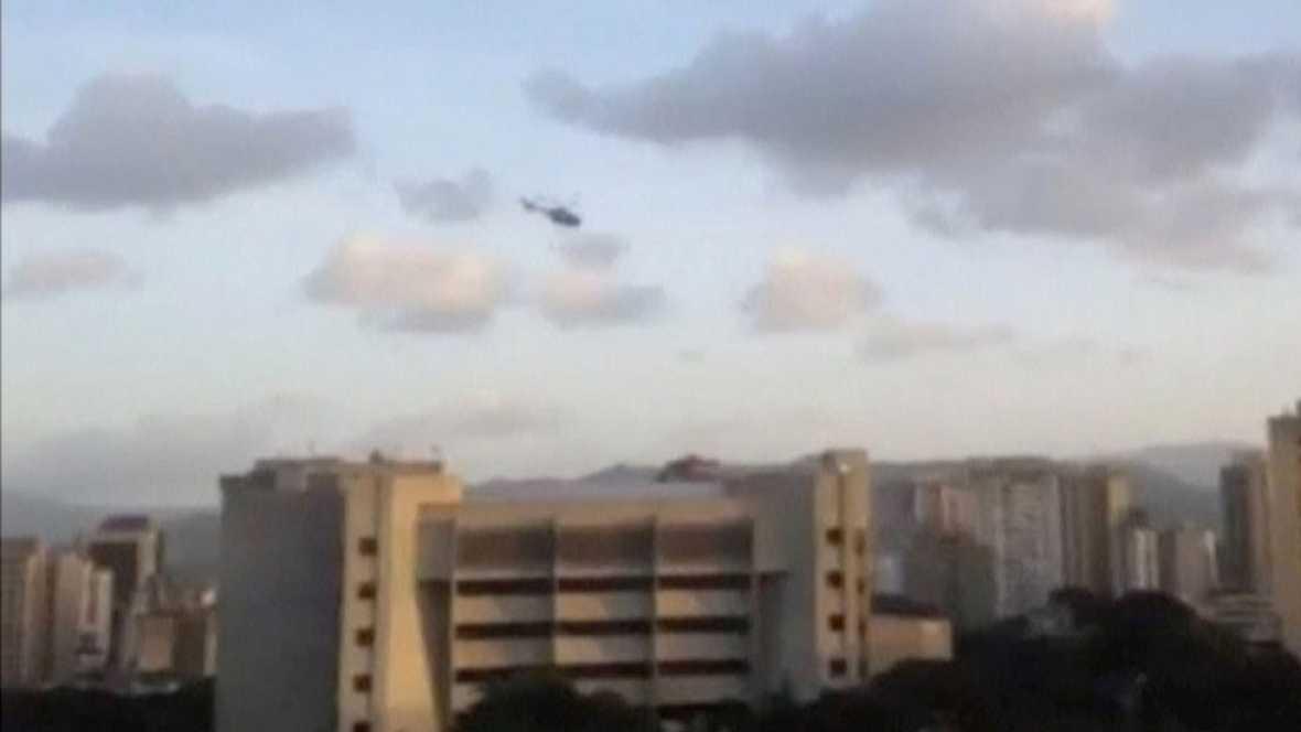 Un grupo de agentes ha sobrevolado Caracas y ha lanzado disparos y granadas contra las sedes del Ministerio del Interior y el Tribunal Supremo. El líder del ataque, el inspector Óscar Pérez, ha llamado a la insurrección contra el gobierno de Nicolás