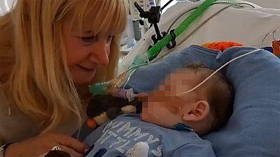 Bruselas aprueba la decisión británica de aplicar la eutanasia a un bebe de diez meses