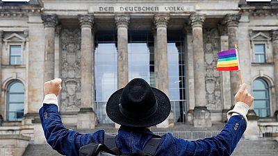 Se aprueba el matrimonio homosexual con el voto en contra de Angela Merkel.