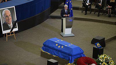 Los líderes mundiales se despiden de Kohl en la Eurocámara en Estrasburgo