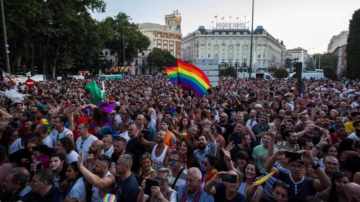 Miles de personas marchan en el World Pride en Madrid por los derechos LGTBI en todo el mundo