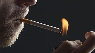 Un equipo de TVE sigue el desarrollo de una operación policial contra el contrabando de tabaco en Cataluña