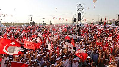 Masivo mitin en Estambul del principal líder de la oposición turca