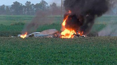 Mueren 16 personas al estrellarse un avión militar en Estados Unidos