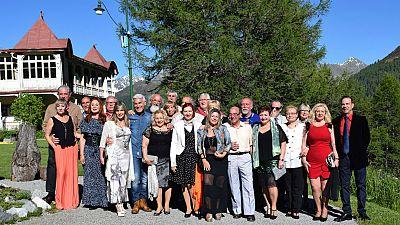 Hotel Romántico - 'Hotel Romántico', 24 solteros de entre 55 y 73 años viajan a Suiza para encontrar el amor