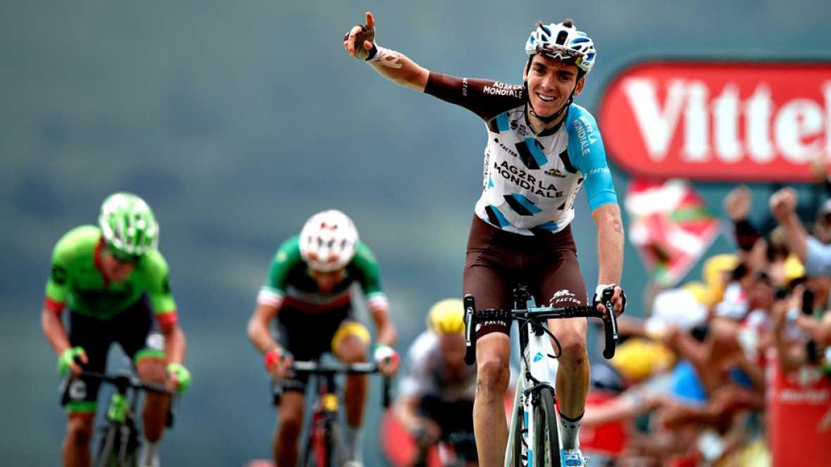 El ciclista francés Romain Bardet, del AG2R, se ha impuesto en la  decimotercera etapa del Tour de Francia, disputada este jueves entre  Pau y el final en alto en Peyragudes tras 214,5 kilómetros, primera  jornada en los Pirineos que no ha tenido emo