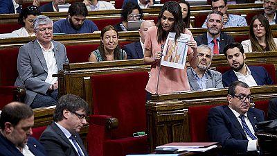 La oposición asegura que los relevos de Puigdemont muestran su debilidad