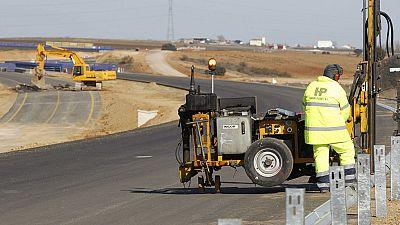 El Gobierno presenta un plan de colaboración público-privada para invertir 5.000 millones en carreteras