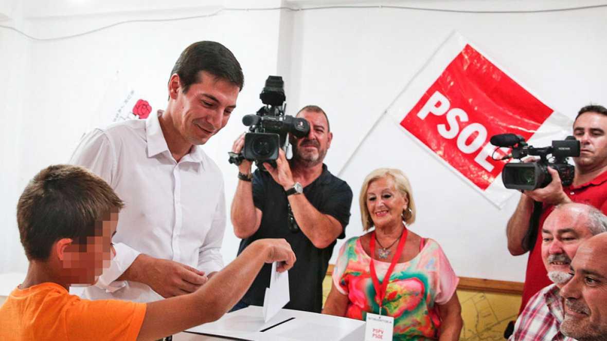 El PSOE celebra primarias para elegir al secretario general en cuatro regiones