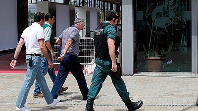 El presidente de la RFEF, detenido por presuntas irregularidades delictivas en su gestión, ha llegado a la Ciudad del Fútbol de Las Rozas pasadas las 15:00 horas, acompañado de efectivos de la Guardia Civil.