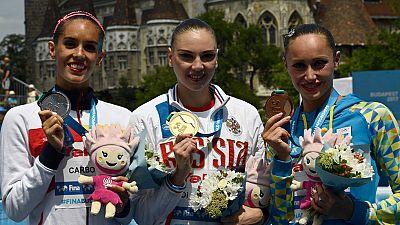 La nadadora española recibe su segunda medalla de plata en el Mundial, al quedar segunda en el solo libre, por detrás de la rusa Kolesnichenko y por delante de la ucraniana Voloshyna.