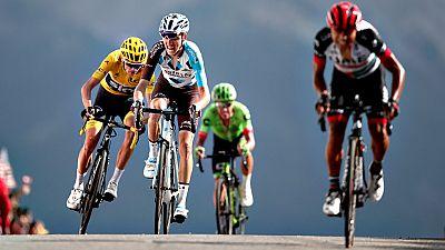 El francés Romain Barguil logró hoy en la cima del Izoard, última etapa montañosa del Tour de Francia, su segundo triunfo en esta edición de la carrera, mientras que el británico Chris Froome afianzó el maillot amarillo de líder a falta de la contrar