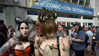 Miles de aficionados a los superhéroes acuden a la Feria del Comic de San Diego