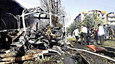 Un atentado suicida contra un autobús deja una treintena de muertos en Kabul
