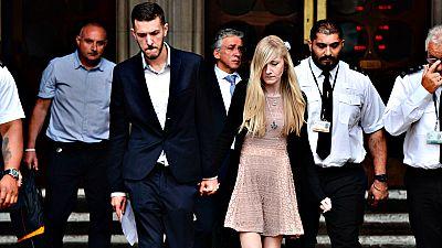 Los padres del bebé Charlie Gard renuncian a pleitear para tratarle fuera de Reino Unido