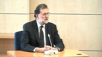 """Rajoy: """"Son absolutamente falsos"""" los sobresueldos del partido"""