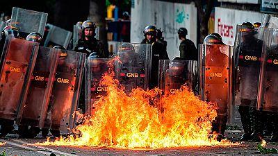 Crisis en Venezuela, tres muertos en los enfrentamientos entre opositores y la guardia nacional