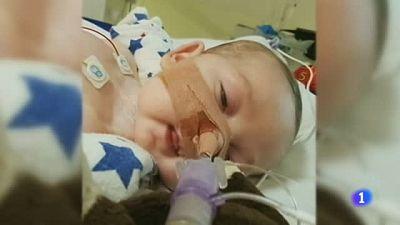 El bebé Charlie Gard será desconectado en cuanto llegue al nuevo hospital contra al deseo de sus padres