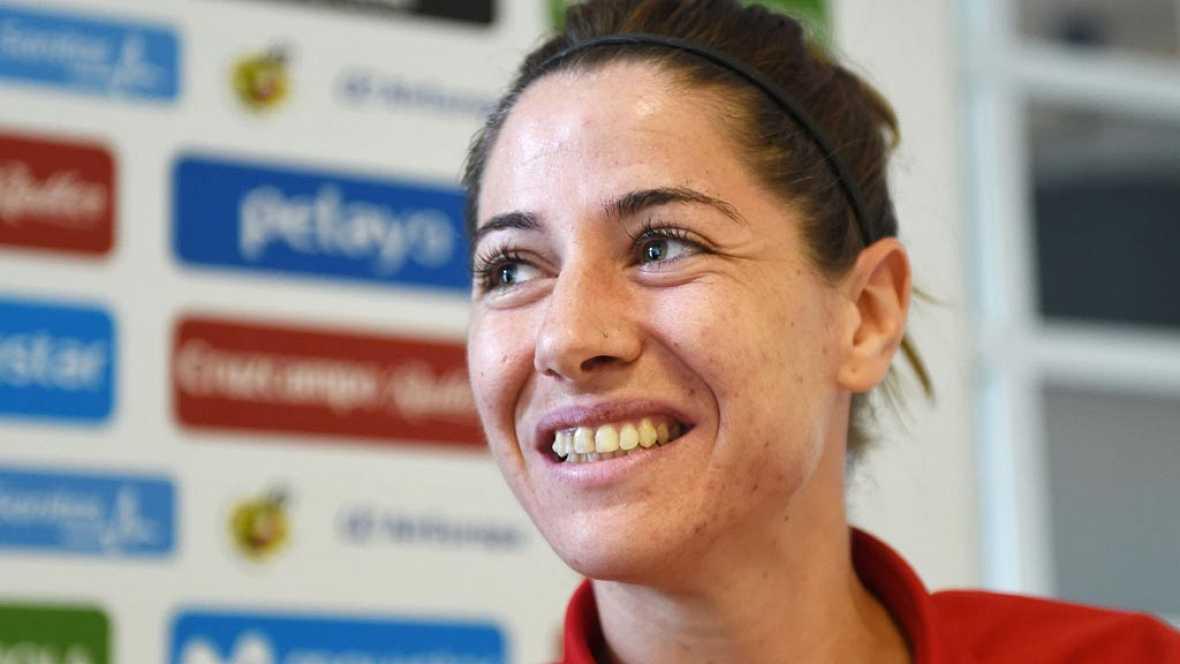 La selección española de fútbol prepara el choque contra Austria de este domingo con el objetivo de mejorar una primera fase irregular y conseguir el pase a las semifinales de la Eurocopa de Holanda.