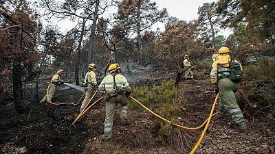 Sigue activo el incendio en Yeste, Albacete
