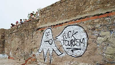 Nuevas acciones de vandalismo contra intereses turísticos en Cataluña