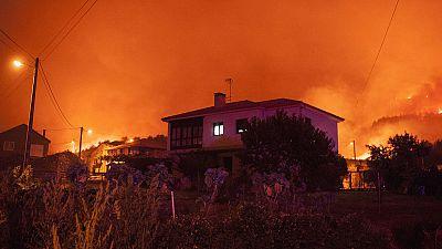 Un fuego devastador que en menos de 16 horas ha quemado ya más de 1.200 hectáreas