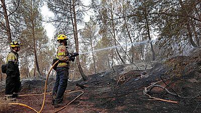 Los bomberos siguen trabajando en el incendio de Artés