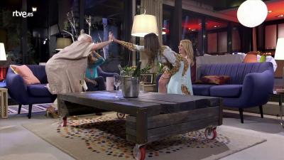 Lolita tiene un plan - Cayetana, Lola y Adriana se preparan para jugar con Lolita