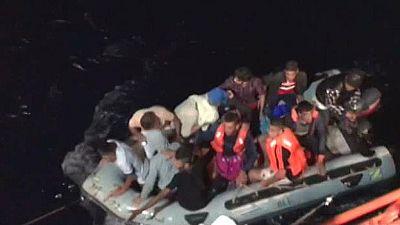 Rescatan a 12 inmigrantes de una patera interceptada a 55 millas de Cabo Gata