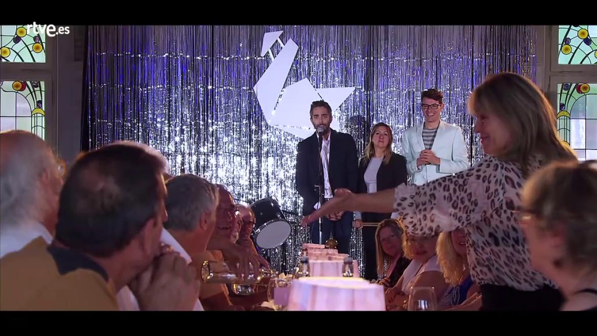Hotel Romántico - Rosi le declara su amor a Julián
